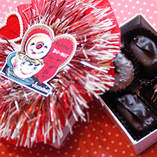 DIY vintage valentine chocolate boxes - mypapercrane.com