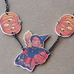 DIY Halloween Shrink Necklace Tutorial - mypapercrane.com