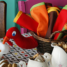 DIY thanksgiving turkey napkin basket - mypapercrane.com