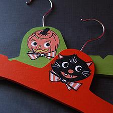 DIY Halloween Hangers mypapercrane.com