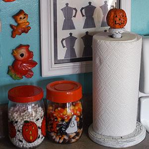 DIY - Halloween paper towel holder : mypapercrane.com