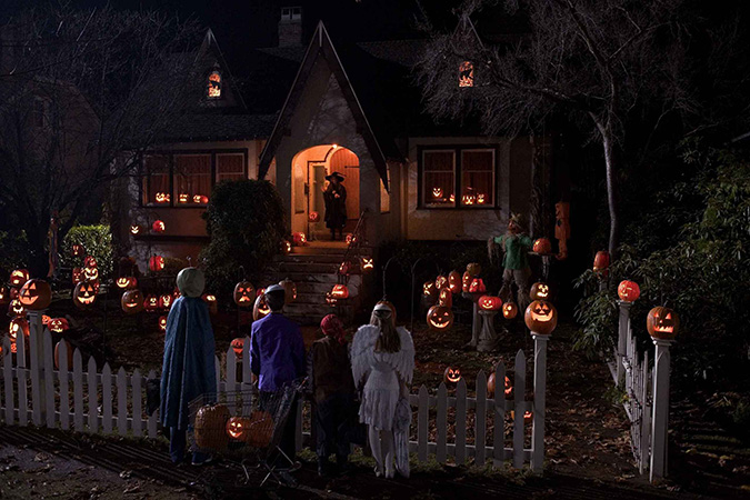 my favorite halloween movie not kid friendly is trick r treat - Kid Friendly Halloween Movie